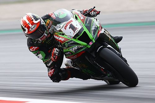 Rea domineert in Barcelona, Van der Mark vierde in eerste race