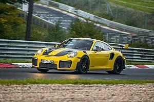 Automotive Breaking news Porsche 911 GT2 RS pecahkan rekor Nürburgring Nordschleife