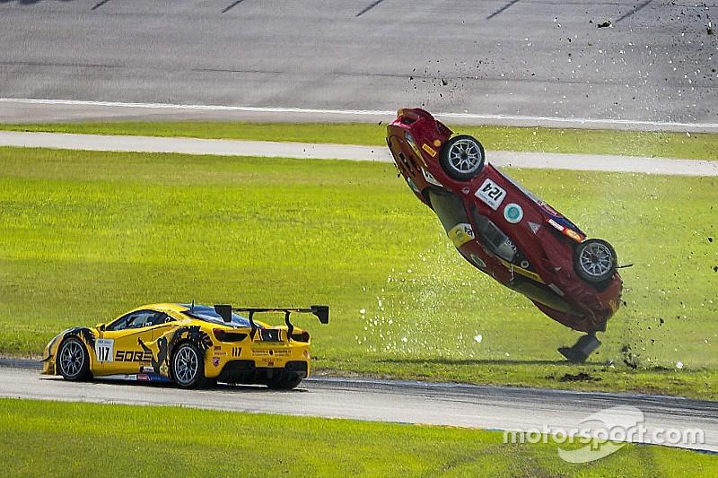 Fotoreeks: Spectaculaire crash in Ferrari 488 Challenge