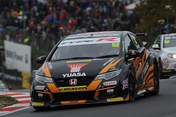 Neal chasing 'plug and play' Shedden replacement