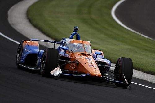 Dixon lidera y Alonso choca en Indianápolis