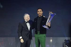 汉密尔顿与梅赛德斯第五次捧起世界冠军奖杯