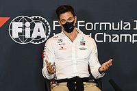 Wolff procura substituto para cargo como chefe da Mercedes na F1