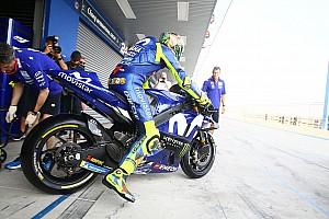 MotoGP Noticias Valentino Rossi dice que Viñales es libre de probar lo que sea