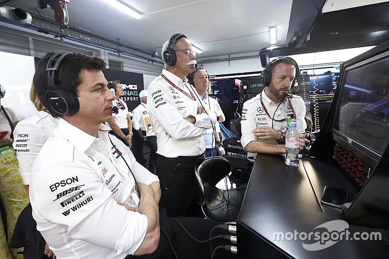 Вольф объяснил, почему Mercedes не хочет платить за своих юниоров в Ф1