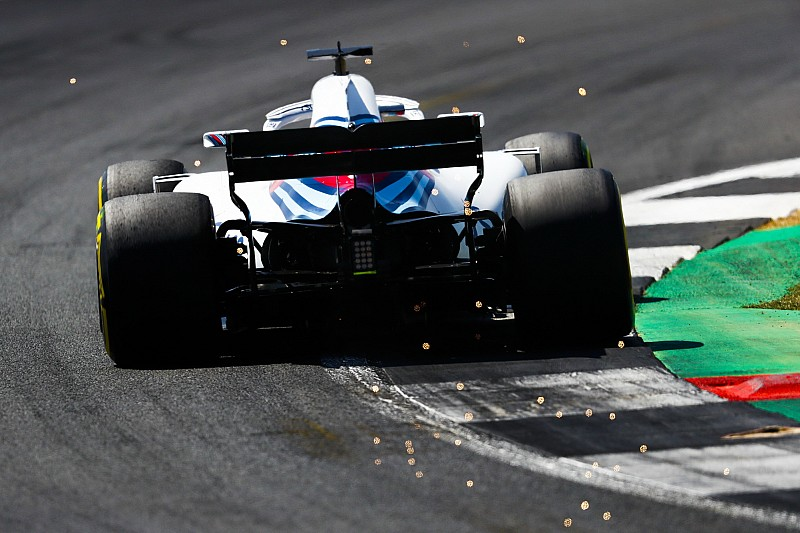 Williams: Stroll e Sirotkin partono dalla pit lane. Cambiata l'ala dietro che stalla