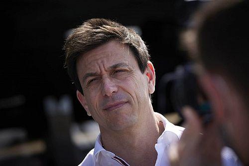 Wolff confiesa que Sergio Pérez fue la piedra en el zapato de Mercedes