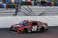 Bell supera a Logano para ganar en el Daytona Road Course