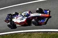Шварцман и Шумахер столкнулись в борьбе за победу в гонке Формулы 2