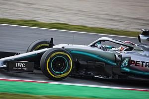 Hamilton: Mercedes ne doit pas
