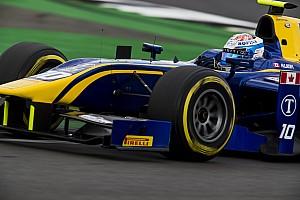 FIA F2 Raceverslag F2 Silverstone: Latifi wint, imponerende inhaalrace De Vries
