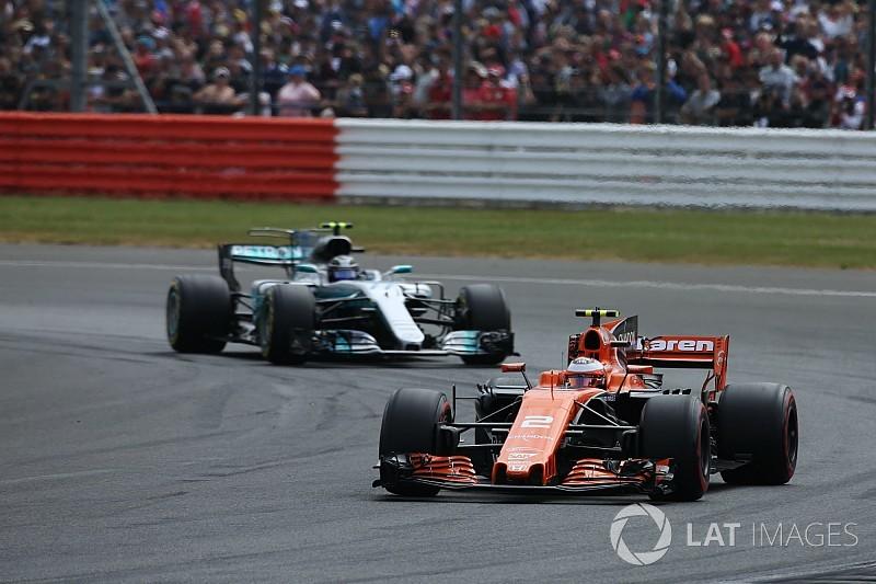 Mercedes і Ferrari не зацікавлені у постачанні двигунів до McLaren