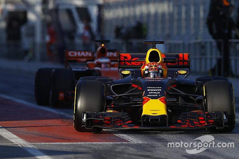 """【F1】メルセデスに""""オイル""""燃焼の疑い? FIAに申告したレッドブル"""