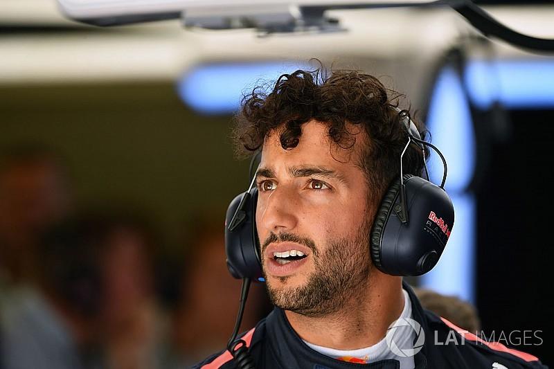 Így gokartozott a szünetben Ricciardo