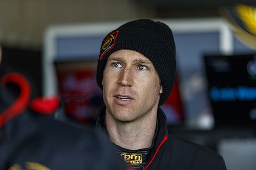 Reynolds details depression fight after horror crash