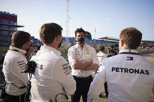 Nem tolerálja tovább a lobbizást az F1-es versenybírók döntéshozatala közben az FIA