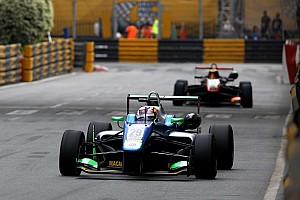 F3 Race report Macau GP: Da Costa passes Ilott to win qualification race