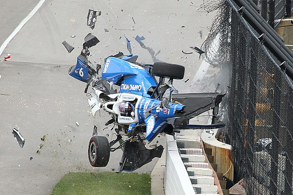 IndyCar Diaporama Photos - L'incroyable crash de Scott Dixon à l'Indy 500