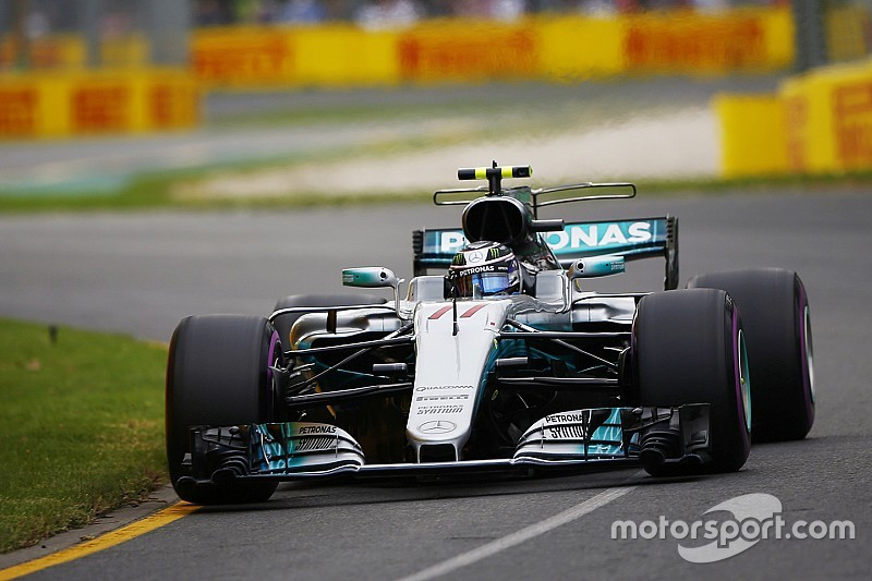 Bottas perd son duel contre une des Ferrari