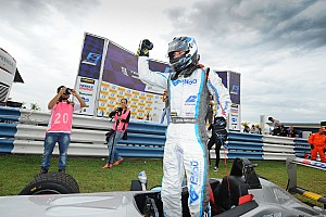 Fórmula 3 Brasil Relato da corrida Hahn derrota Iorio e vence com pista molhada em Goiânia