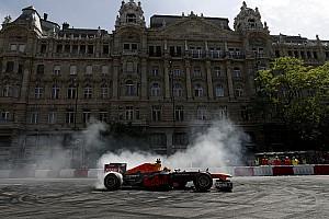Formule 1 Toplijst In beeld: Max Verstappen demonstreert in Boedapest