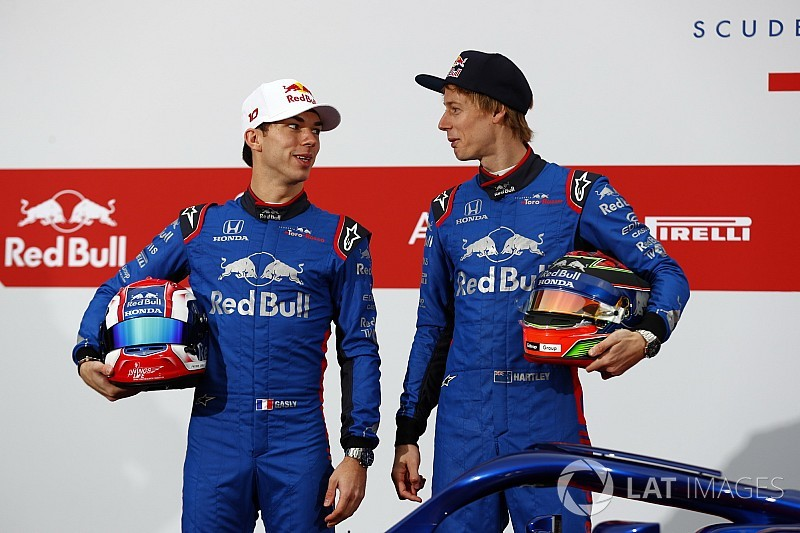 У Toro Rosso изменился цвет формы – теперь она ярко-синяя