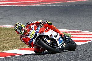 MotoGP Qualifying report Third row start in Catalan GP for Iannone, eighth in qualifying at Montmelò