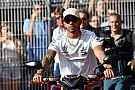 Fórmula 1 Hamilton, sin prisa por renovar... ni por escuchar a otros equipos