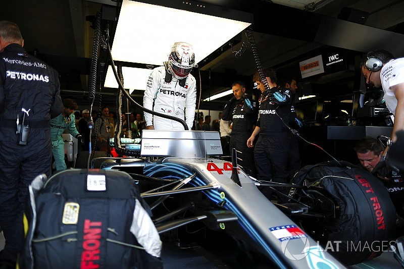"""F1 """"in the Stone Age"""" compared to other sports - Hamilton"""