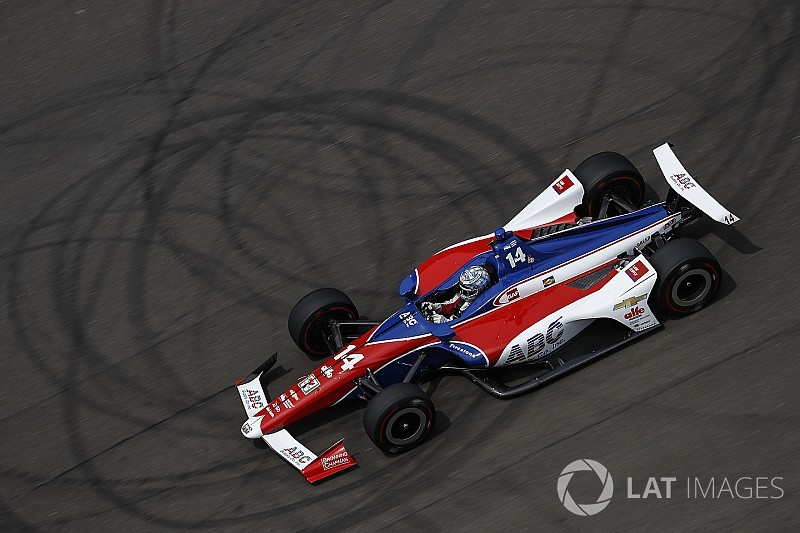 Indy 500: Tony Kanaan führt