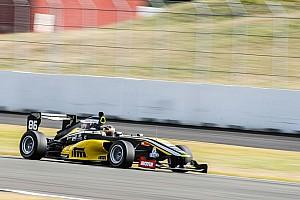 Другие Формулы Новость Участники новозеландского чемпионата устроили аварию с переворотом