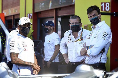 F1: Mercedes não quer apenas um ano de contrato com Hamilton