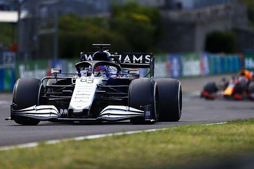 От штрафа в гонке Расселла спасла Williams