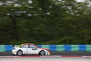 WTCC Crónica de Clasificación Guerrieri clasificó tercero en Hungría