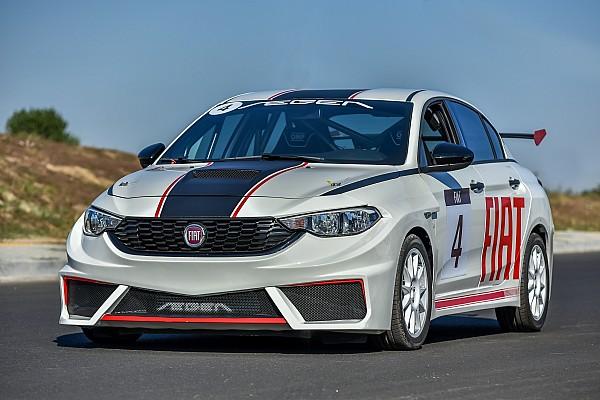 PİST Ön Bakış Fiat Egea yarış aracı piste çıktı