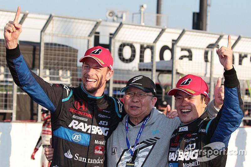 バトン、フル参戦1年目での戴冠に「F1王者と同じくらい大きい」