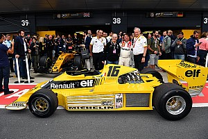 Formula 1 I più cliccati Fotogallery: le celebrazioni dei 40 anni di F.1 della Renault