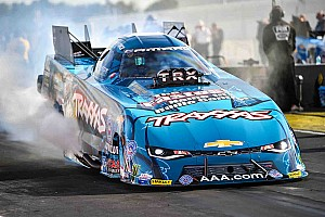 NHRA Race report C. Force wins Funny Car portion of NHRA Traxxas Nitro Shootout