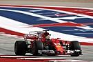Sebastian Vettel sitzt Hamilton im Nacken: