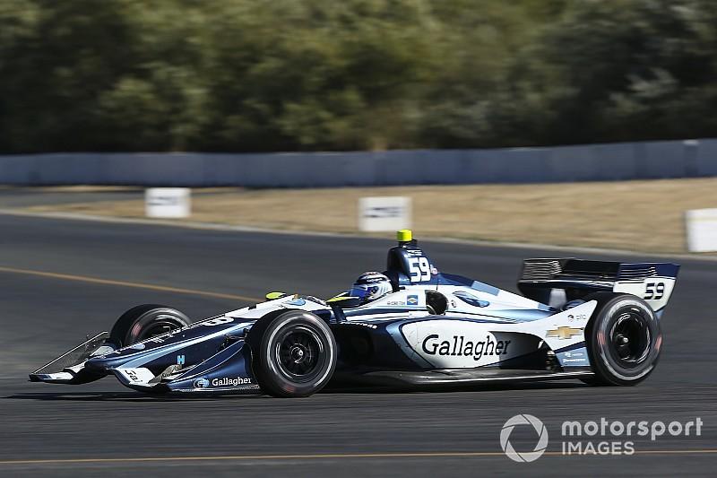 Chilton gets second IndyCar season with Carlin