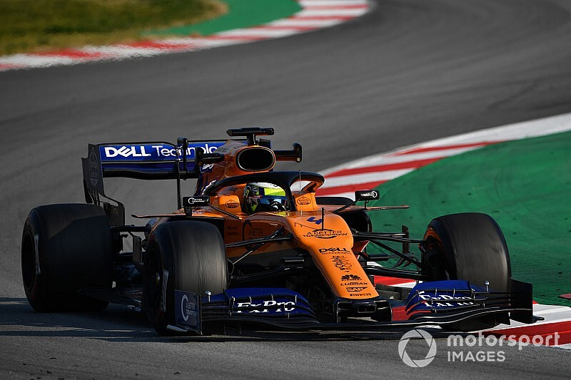 Norris sets F1 test pace as Mercedes hits trouble