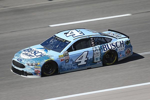 NASCAR Cup Kevin Harvick regola Kyle Busch e centra la pole per la Coca Cola 600