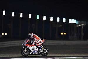 MotoGP Noticias de última hora Ducati exhibe músculo en el primer día en Qatar; Márquez se cae dos veces