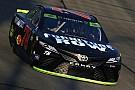 NASCAR Cup Truex manda en la segunda práctica en Chicago