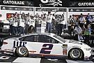 Monster Energy NASCAR Cup Кеселовскі виграв першу гонку нового сезону NASCAR