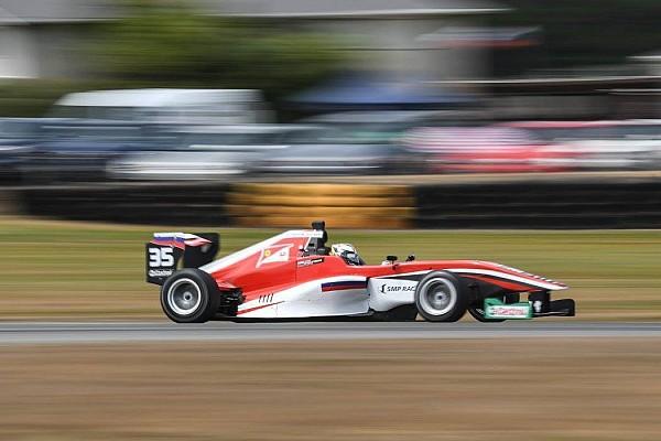 Другие Формулы Отчет о гонке Шварцман одержал первую победу в Toyota Racing Series