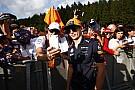 Partiállat Verstappen és Ricciardo az Eau Rouge tetején
