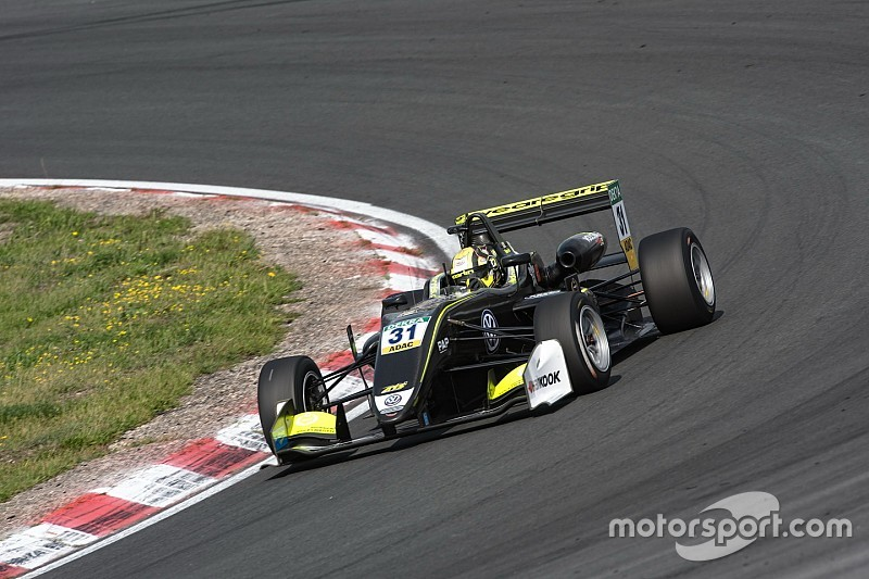 Zandvoort F3: Norris heads Carlin 1-2 in dominant win