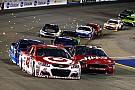 NASCAR Cup Ларсон выиграл последнюю гонку регулярного сезона NASCAR