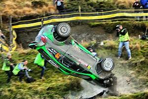 WRC Fotostrecke Fotostrecke: WRC-Crash von Yazeed Al Rajhi
